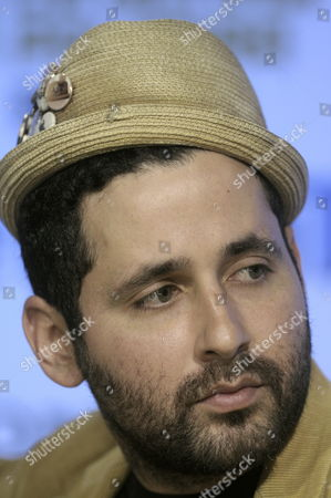 Puerto Rican Singer Eduardo Cabra Aka 'Visitante' Member of Band Calle 13 Attends During a Press Conference in Mexico City Mexico 08 November 2012 Calle 13 Launched a Video For Its Song 'La Bala' ('the Bullet') with the Support of Unicef Denouncing Violence and the Use of Weapons Mexico Mexico City