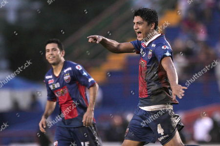 Atlante's Luis Venegas (r) Celebrates a Goal Against Morelia During a Match of the Mexican Soccer League at Andres Quintana Roo Stadium in Cancun Mexico 07 October 2012 Mexico Cancun