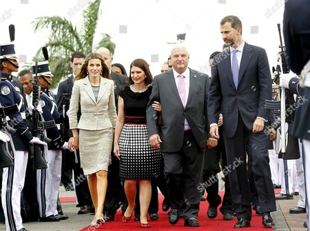 Panamanian President Ricardo Martinelli (2-r) His Wife Marta Linares (2-l) and Spanish Princes Felipe and Letizia (l) Arrive at Nuñez De Balboa Pacific Discovery Fifth Centenary Conmemorative Acts in Panama During Spanish Princes Two-day Official Visit to the Country on 3 October 2012 Panama Panama