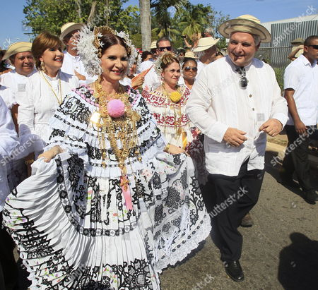 Panama's President Ricardo Martinelli (r) and His Wife Marta Linares De Martinelli (l) Wearing a Traditional Costume Participate in the Inauguration of the Thousand Polleras Parade Which Brings out the Beauty of the Traditional Dress in the Town of Las Tablas Panama 12 January 2013 This Year in the Third Version of the Event is Expected the Participation of About 10 Thousand Participants Accompanied by Folk Rhythms Through the Streets of the City Panama Las Tablas