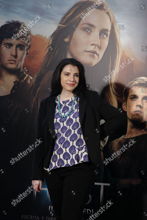 Us Author and Producer Stephanie Meyer Best Known For Her Vampire Romance Series 'Twilight' Poses For the Media During the Presentation of 'The Host' in Madrid Spain 04 March 2013 the Film is an Adaptation of Her Adult Sci-fi Novel with the Same Name Spain Madrid