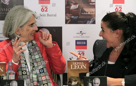 A Picture Made Available on 28 September 2012 Shows Italian Mezzo-soprano Cecilia Bartoli (r) and Writer Donna Leon (l) Presenting a New Joint Project in Madrid Spain 27 September 2012 the Score of Their Project is Called 'Mission' and a Libretto Called 'Jewels of Paradise' Both About the Life of the Misterious Composer and Bishop Agostino Steffani who Died Almost 300 Years Ago Spain Madrid