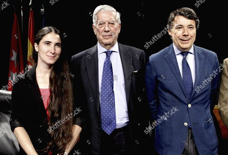 Literature Nobel Laureate Peruvian Writer Mario Vargas Llosa (c) Cuban Blogger and Dissident Yoani Sanchez (l) and Madrid's Regional Government President Ignacio Gonzalez (r) During the the Closing Ceremony of the 6th Atlantic Forum at Casa De America in Madrid Spain 04 July 2013 Spain Madrid