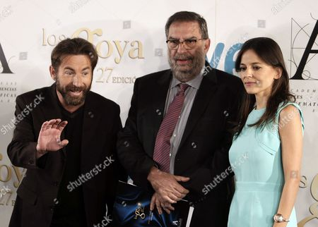 Spanish Film Academy President Enrique Gonzalez Macho (c) Poses with Spanish Actors Antonio De La Torre (l) and Elena Anaya (r) Before the Presentation of the Nominees For the 27th Goya Awards During a Press Conference in Madrid Spain 08 January 2013 the 27th Goya Awards Gala Will Be Held on 17 February Torre was Nominated in the Categories 'Best Actor' For His Performance in 'Grupo 7' (group 7) and 'Best Supporting Actor' For His Role in 'Invasor' (invader) Spain Madrid