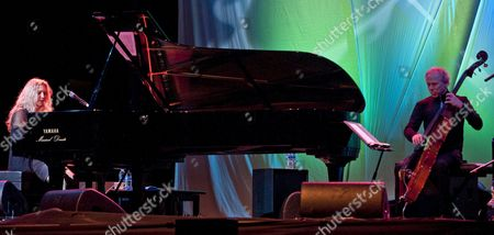 Brazilian Pianist and Singer Eliane Elias (l) and Us Double Bassist Marc Johnson (r) Perform on Stage During the 35 Getxo's Jazz International Festival Closing Concert in Getxo Vizcaya Northern Spain 08 July 2012 Spain Getxo