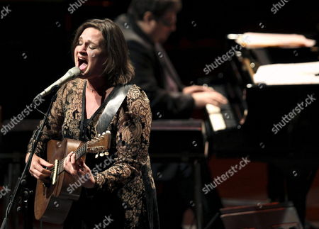 Us Jazz Singer Songwriter and Guitarist Madeleine Peyroux Performs on Stage During Her Concert As Part of the 47th Edition of San Sebastian Jazz Festival in San Sebastian Northern Spain 23 July 2012 Spain San Sebastian
