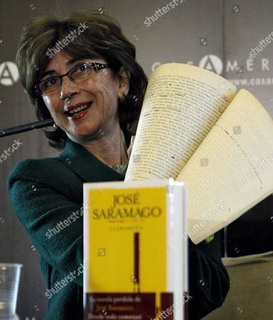Pilar Del Rio Widow and Translator of Portuguese Writer Jose Saramago Shows a Manuscript During the Presentation of Saramago's Novel 'Claraboya' (skylight) in Madrid Spain 01 March 2012 the Book was Written by Saramago About 60 Years Ago Reports State Spain Madrid