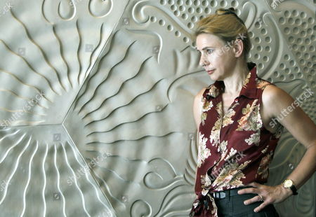Us Author Lionel Shriver Poses For the Photographer As She Presents Her Novel 'So Much For That' in Barcelona Northeastern Spain 29 May 2012 Spain Barcelona