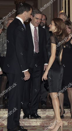 Spanish Crown Prince Felipe (l) and Princess Letizia (r) Chat with Canadian Former Politician Michael Ignatieff (c) who was Awarded with the 29th Francisco Cerecedo's Journalist Prize During an Act Held in Madrid Spain 20 November 2012 Spain Madrid