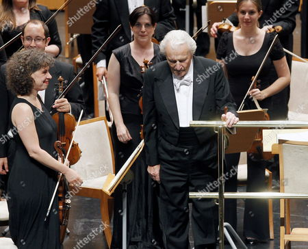 British Conductor Sir Colin Davis (front R) Salutes Prior a Concert with the English Chamber Orchestra in Santander Cantabria Northern Spain 17 August 2012 Spain Santander
