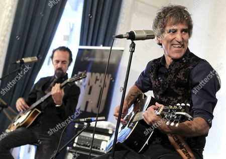 Members of the Spanish Duo Mikel Erentxun (r) and Diego Vasallo (l) Perform During the Presentation of Their New Album 'El Duelo' (the Duel) at the Miramar Palace in San Sebastian Spain 27 August 2013 Spain San Sebastian