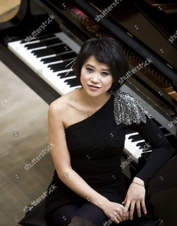 Chinese Pianist Yuja Wang Poses During the Presentation of Her Latest Album 'Fantasia' in Madrid Spain 12 March 2012 Spain Madrid