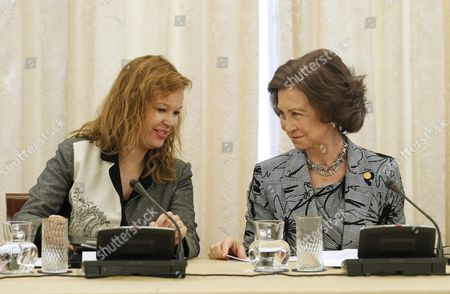 Spain's Queen Sofia (r) Chats with Health and Social Affairs Minister Leire Pajin While Presiding a Meeting of the Royal Foundation For Disabilities Council at the Zarzuela Palace Outside Madrid Spain 12 December 2011 Spain Madrid