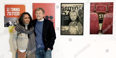 Indian Director Deepa Mehta (l) Poses For the Media with British Producer David Hamilton (r) During the 57th International Film Festival 'Seminci' in Valladolid Spain 21 October 2012 Mehta Presented Her Movie 'Midnight's Children' at the Film Festival Which Runs Until 27 October Spain Valladolid