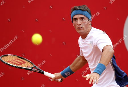 Argentinian Agustin Velotti Returns to Spaniard David Ferrer During Their First Round Match of the Copa Claro Tennis Tournament in Buenos Aires Argentina 20 February 2013 Argentina Buenos Aires