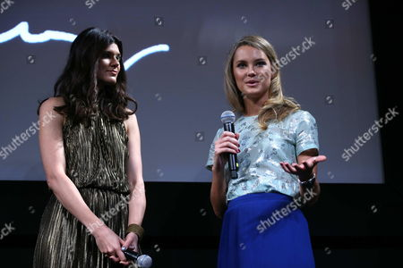 Us Models Summer Rayne Oakes (l) and Kyleigh Kuhn (r) Talk to the Press During the Official Presentation of the 2013 Pirelli Calendar in an Event Held at Copacabana Hotel in Rio De Janeiro Brazil on 27 November 2012 the Calendar Inspired by the Life and Culture of Brazil was Shot by Us Photographer and 1994 Pulitzer Prize Winner Steve Mccurry Brazil Rio De Janeiro