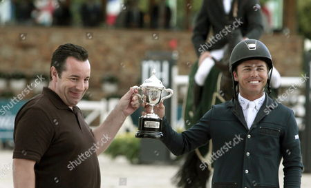 Us Horse Ridder Ken Farrington (r) Receives the Winner Trophy of the Telefonica Horse Jum Contest During the International Horse Jumps of Casas Novas Held in Arteixo La Coruna Galicia Spain on 28 July 2013 Spain La Coruña