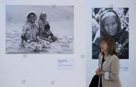A Picture Made Available on 21 May 2015 Shows a Visitor Attending the Exhibition by Mexican Photographer Genoveva Casanova Former Wife of Spanish Cayetano Martinez De Irujo Son of Late Duchess of Alba at Soumaya Museum in Mexico City Mexico 20 May 2015 Casanova Has Taken Photograph During the Last Decade Through Her Humanitarian Work at India Senegal Nepal Kenya and Colombia Mexico Ciudad De Mexico