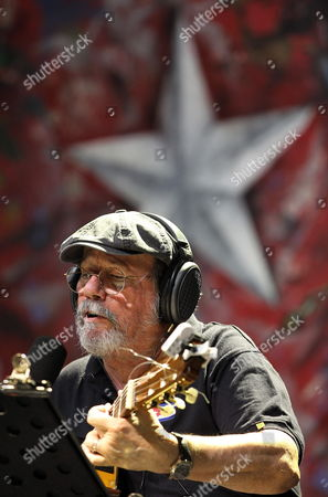 Cuban Singer and Songwriter Silvio Rodriguez Performs on Stage in Panama City Panama 09 April 2015 the Event Organized by the Social and Popular Movements was Held on the Sidelines of the Summit of the Americas (soa) Which Will Run From 10 to 11 April in Panama City Panama Panama City