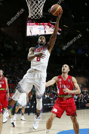 Rudy Gay (c) of the Us Shoots in Front of Marko Simonovic (r) of Serbia During the Fiba Basketball World Cup Final Match Between the Usa and Serbia in Madrid Central Spain 14 September 2014 Spain Madrid
