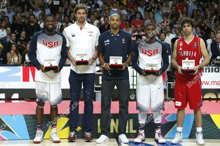 Usa's Kenneth Faried (l) and Kyrie Irving (2-r) Spain's Pau Gasol (2-l) France's Nicolas Batum (c) and Serbia's Milos Teodosic (r) Were Named the Dream Team After the Fiba Basketball World Cup Final Match Between the Usa and Serbia in Madrid Central Spain 14 September 2014 Spain Madrid