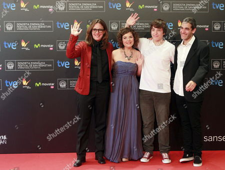 Mexican Actors Lucio Gimenez Cacho (2-r) and Danae Reynaud Romero (2-l) Bolivian Actress Maria Renee Prudencio (l) and Mexican Film Director Fernando Eimbcke (r) Pose During the Premiere of 'Club Sandwich' During the 61st San Sebastian International Film Festival in San Sebastian Spain 25 September 2013 the Movie is Presented in the Official Selection of the Festival Running From 20 to 28 September Spain San Sebastián