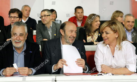 Spanish Socialist Party (psoe)'s Secretary General Alfredo Perez Rubalcaba (c) Chats with Deputy Secretary General Elena Valenciano (r) Next to Party's Chairman Jose Antonio Grinan During a Meeting of Party's Federal Committee in Madrid Spain 15 March 2014 the Party's Federal Committee Approved Psoe's Candidature List Heading by Valenciano For European Parliament Election Spain Madrid