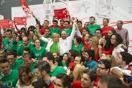 Social Democrat Candidate For the European Commission Presidency Martin Schulz (c-r) and Spanish Psoe's Candidate For the Upcoming European Elections Elena Valenciano (c-l) Pose with Students During an Electoral Rally Held at the University Campus of Teatinos in Malaga South-eastern Spain on 11 May 2014 European Elections Will Be Celebrated in the European Union From 22 to 25 May Spain Malaga