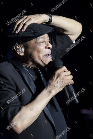 Us Jazz Singer Al Jarreau Performs on Stage at the Alfredo Kraus Auditorium in Las Palmas De Gran Canaria Canary Islands Spain 16 July 2014 As Part of the Jazz&mas Heineken Canarias International Festival Spain Las Palmas De Gran Canaria
