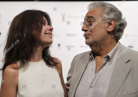Spanish Tenor Placido Domingo (r) and Puerto Rican Soprano Ana Maria Martinez Pose For Photographers During the Presentation of Their Next Concert at Royal Opera House in Madrid Spain 23 June 2014 the Concert Called 'To My Spain' Will Be Held on 25 June Spain Madrid