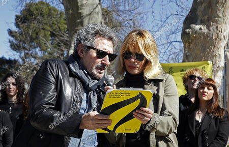 Spanish Singer Miguel Rios (l) and Actress Maria Adanez Attend an Event Within the Scope of Amnesty International's Campaign 'My Body My Rights' Against the Spanish Government's Reform of the Abortion Law at the Retiro Park in Madrid Spain 09 March 2014 Spain's Conservative Government Has Approved Legislation That Would Only Allow Abortions in a Narrow Range of Medical and Legal Circumstances Reversing a More Liberal Policy It Inherited From the Previous Government Spain Madrid