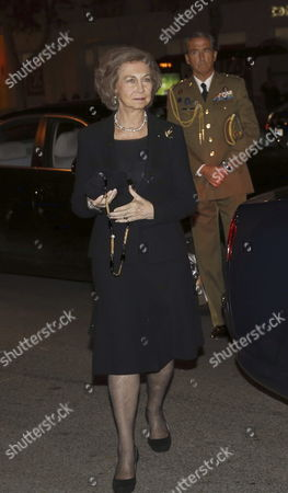 Stock Image of Spanish Former Queen Sofia at Her Arrival to the Funeral of Cayetana Fitz-james Stuart Duchess of Alba Held at San Francisco El Grande Church in Madrid Spain on 15 December 2014 the Duchess of Alba Died Aged 88 at Home on 20 November After a Short Illness Spain Madrid