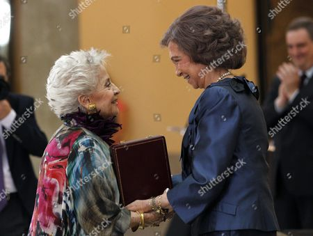 Spanish Queen Sofia (r) Presents the Yehudi Menuhin Award to Spanish Mezzo-soprano Teresa Berganza (l) During the Closing Ceremony of the Queen Sofia College of Music Academic Year Held at El Pardo Palace in Madrid Spain 12 June 2014 Spain Madrid