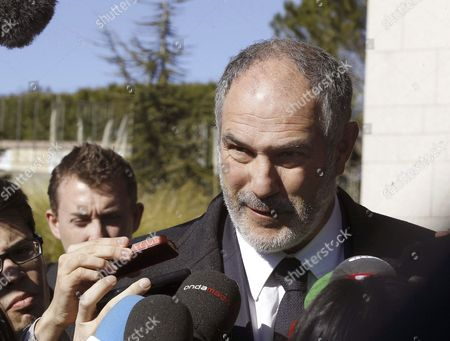 Fc Barcelona's Director of Football Andoni Zubizarreta Talks to Journalists As He Arrives to the Funeral Chapel to Pay His Respect For Former Spanish National Coach Luis Aragones in Madrid Spain 02 February 2014 Luis Aragones Coach of Spain's Uefa Euro 2008 Winning Team Died on 01 February 2014 in the Clinica Cemtro Hospital in Madrid at the Age of 75 After a Long Illness Spain Madrid