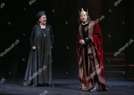 A Picture Made Available on 06 November 2014 Shows Spanish Actors Juan Diego (r) in the Role of King Ricardo Iii and Terele Pavez Performing During the Press Preview of the Play 'Dreams and Visions of King Ricardo Iii' at the Spanish Theatre in Madrid Spain 05 November 2014 the Piece Will Premiere From 06 November to 28 December Spain Madrid