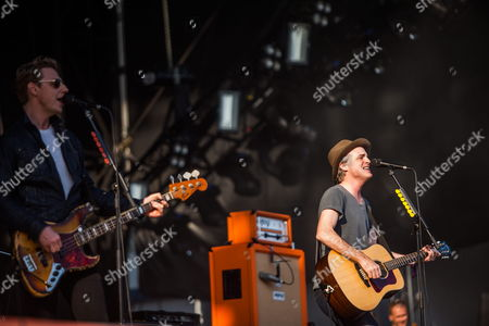 Francis Healy (r) and Dougie Payne (l) of British Band Travis Perform During a Concert at Planeta Terra Festival 2013 in Sao Paulo Brazil 09 November 2013 Brazil Sao Paolo