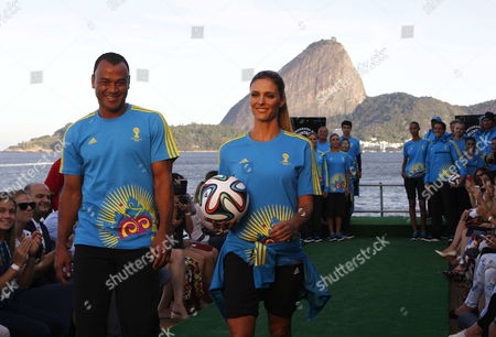 Brazilian Tv Hostess Fernanda Lima (r) and Brazilian Former Soccer Player Cafu Present the New Uniform of the Volunteers That Will Work During the Soccer World Cup Brazil 2014 at the Rio De Janeiro Fashion Week in Rio De Janeiro Brazil 10 April 2014 Brazil R?o De Janeiro