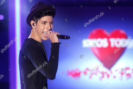 Us Singer Matt Hunter Performs During the 26th Edition of the Teleton in Santiago Chile 29 November 2014 the Charity Event Held in 27 Consecutive Hours and with the Participation of National and International Artists Aimed to Collect 42 Million Us Dollar For Handicapped Kids in the Country Chile Santiago