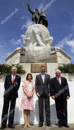(l-r) Spanish Foreign Affairs Minister Jose Manuel Garcia Margallo Panamanian First Lady Marta Linares De Martinelli Spanish Crown Prince Felipe and Panamanian President Ricardo Martinelli Pose During the Celebration of the 5th Centenary of the Discovery of the Pacific Ocean by the Spanish Conquistador Vasco Nunez De Balboa in Panama City Panama 20 October 2013 Panama Panama City