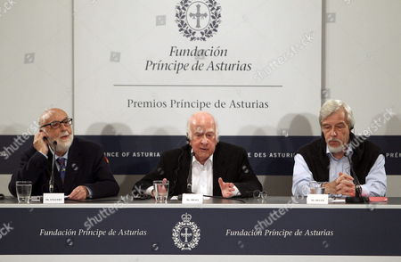 Nobel Prize Laureates British Physicist Peter Higgs (c) and Belgian Physicist Francois Englert (l) and the Director General of the European Organization For Nuclear Research (cern) Rolf Heuer (r) Deliver a Press Conference at the Science University in Oviedo Spain 24 October 2013 Both Physicists and the Cern Have Been Awarded with the Prince of Asturias Award For Technical & Scientific Research and Will Be Attending the Awarding Ceremony on 25 October 2013 Spain Oviedo