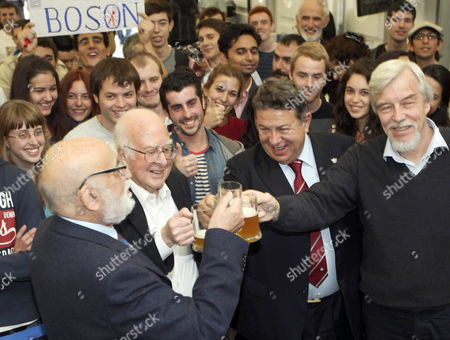 Nobel Prize Laureates British Physicists Peter Higgs (2-l) Belgian Francois Englert (l) and Representatives From the the European Organization For Nuclear Research (cern) Rolf Heuer (r) and Sergio Bertolucci (2-r) Enjoy a Beer with Students After a Discussion on the Higgs Boson Formula at the Science University in Oviedo Spain 24 October 2013 Both Physicists and the Cern Have Been Awarded with the Prince of Asturias Award For Technical & Scientific Research and Will Be Attending the Awarding Ceremony on 25 October 2013 Epa/jose Luis Cereijido Spain Oviedo