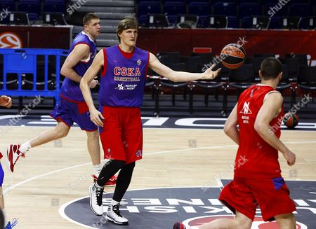 Cska Moscow's Winger Andrei Kirilenko (c) Performs During His Team's Training Session at Barclaycard Center in Madrid Spain 14 May 2015 Cska Moscow Will Face Olympiacos Piraeus in the Semi Final Game of the Euroleague Final Four Basketball Tournament Spain Madrid