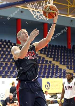 Us National Basketball Player Mason Plumlee (l) in Action During a Training Session on the Eve of the Basketball Friendly Match Between Slovenia and the Usa at Gran Canaria Arena Sports Pavilion in Maspalomas Gran Canaria Spain 25 August 2014 the Us Team is Preparing For the 2014 Fiba Basketball World Cup to Be Held From 30 August to 14 September 2014 in Spain Spain Maspalomas