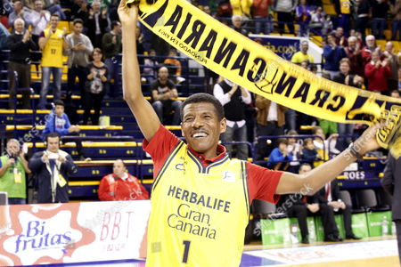 Ethiopian Long-distance Running Legend Haile Gebrselassie Greets His Supporters During a Spanish Acb League Basketball Match Between Herbalife Gran Canaria and Valladolid in Las Palmas De Gran Canaria Canary Islands 24 January 2014 Gebrselassie is in the City to Sponsor the Gran Canaria Marathon Scheduled For 26 January in Las Palmas De Gran Canaria Spain Las Palmas De Gran Canaria