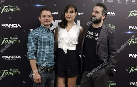 (l-r) Us Actors Elijah Wood and Sasha Grey and Spanish Director Nacho Vigalondo Pose For Photographers During the Presentation of 'Open Windows' in Madrid Spain 30 June 2014 the Movie Will Open in Spanish Theaters on 04 July Spain Madrid
