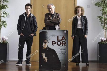 Stock Image of Spanish Filmmaker Jordi Cadena (c) Poses with Spanish Actors Roser Cami (r) and Igor Szpakowski (l) During the Presentation of 'La Por' (the Fear) at the 58th International Film Festival of Valladolid in Spain 21 October 2013 Spain Valladolid