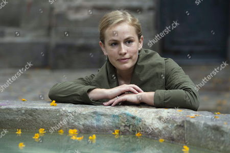 British Writer Jessica Cornwell Granddaughter of Celebrated Author John Le Carre Poses During the Presentation of the 'The Serpent Papers' in Barcelona Spain 09 June 2015 It is the First Issue of the 'The Serpent Papers Trilogy' Spain Barcelona
