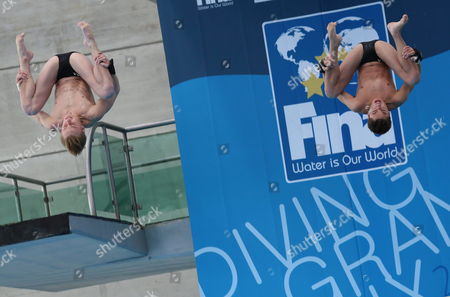 Us Divers David Dinsmore and Steele Johnson Compete in the 10-meters Platform to Win Gold Medal During the Fina Diving Grand Prix in Guanajuato Mexico 17 May 2014 Mexico Guanajuato
