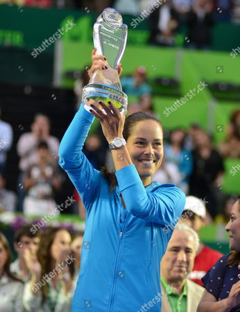 Serbian Ana Ivanovic Holds the Champions Trophy After Winning Over Fellow Serbian Jovana Jaksic During Their Monterrey Tennis Cup Final Game in Monterrey Mexico 06 April 2014 Mexico Monterrey