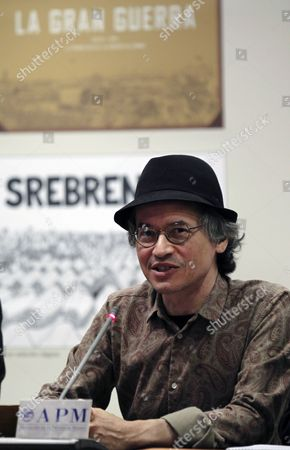 Stock Picture of Us Illustrator Joe Sacco Reacts During a Press Conference Held to Present His Cartoon Book 'The Great War: July 1 1916: the First Day of the Battle of the Somme' in Madrid Spain 13 May 2014 Spain Madrid